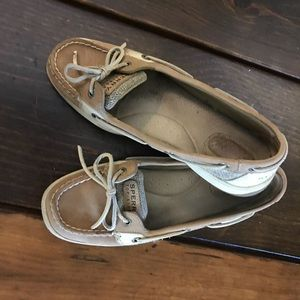 Sperry tan size 8.5